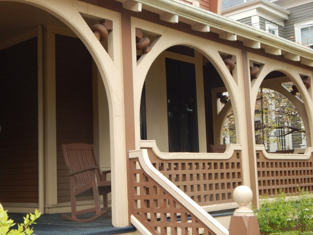front porch house in cambridgeport